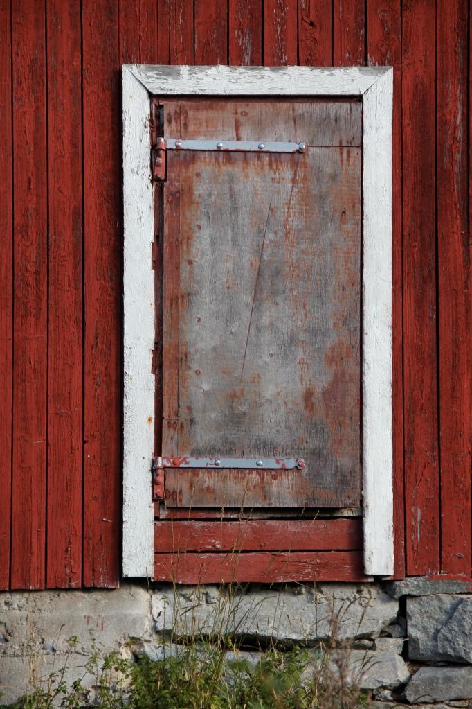 barn door, norway