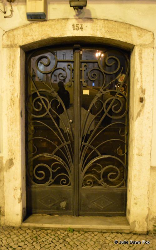 Glass and swirls, Lisbon