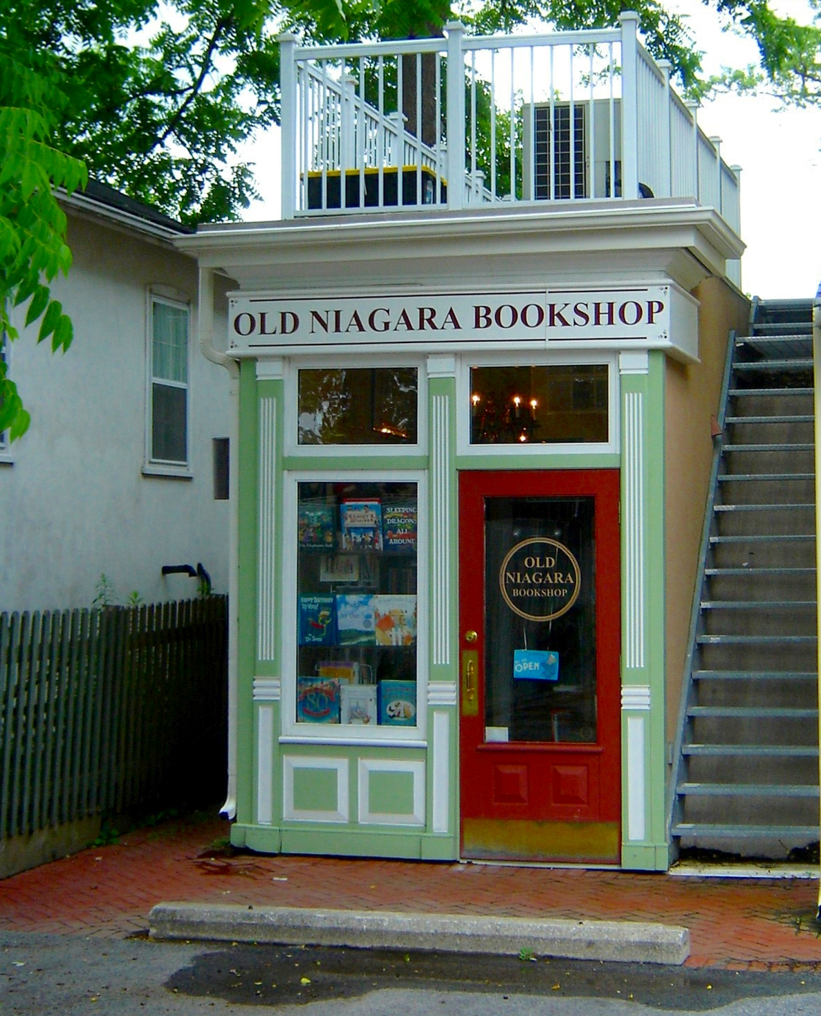 Niagara on the Lake book store door & The Book Store | The Legion of Door Whores