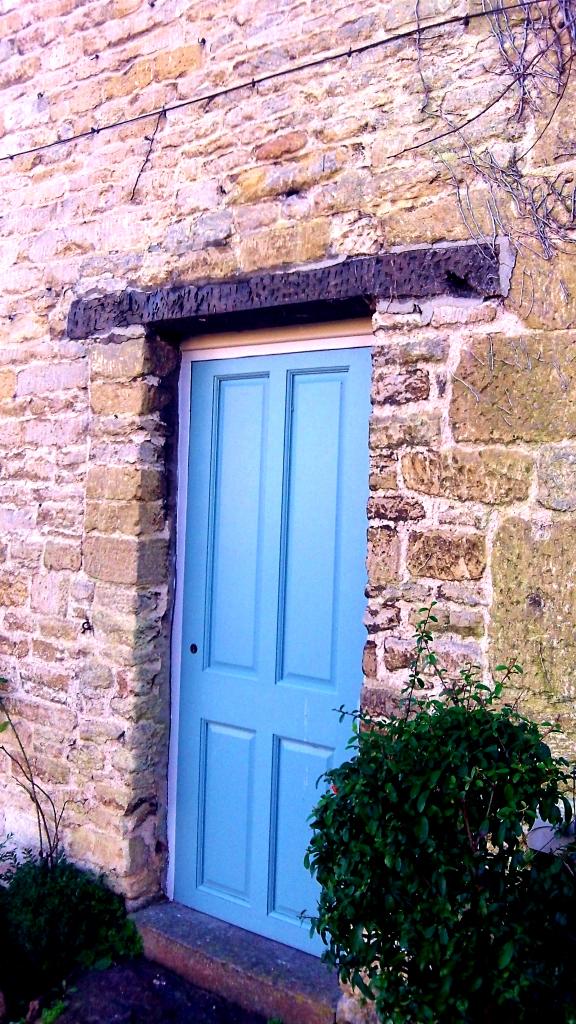 door simply blue  100_3700